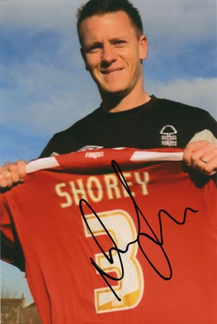 Nicky Shorey, Nottingham Forest, signed 6x4 inch photo.